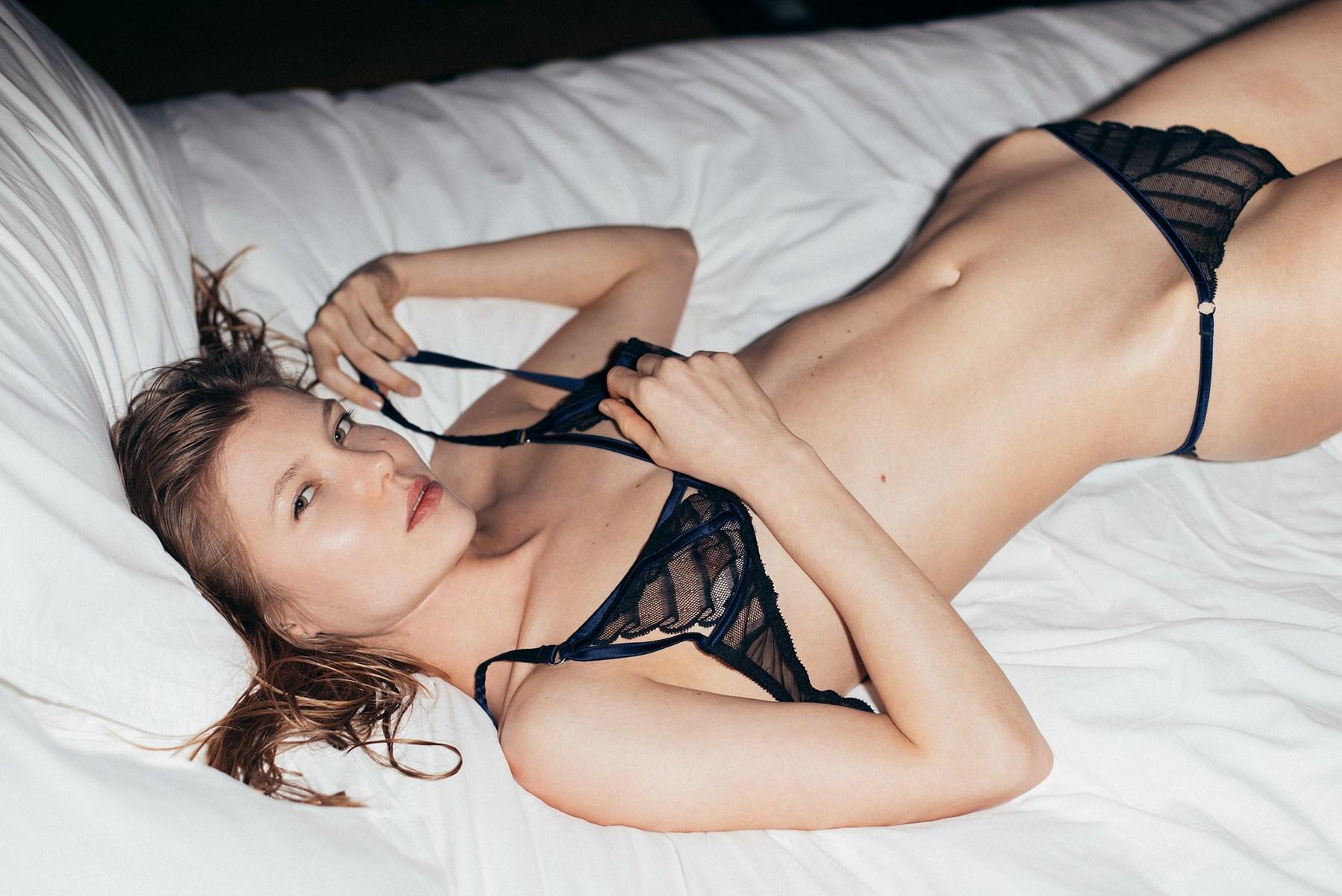 Forgács Zsuzsa: A Nap, a Hold és a Klitorisz (Kiáltvány a női orgazmusról)