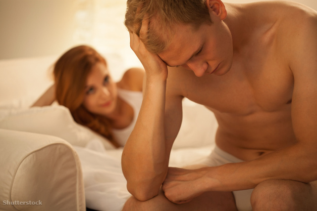 normál erekció esetén nincs magömlés)