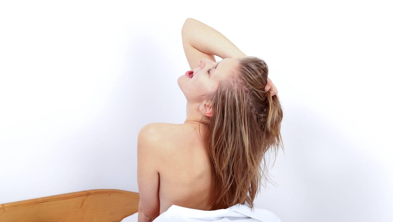 hogyan lehet erekciót tartani egy lánnyal