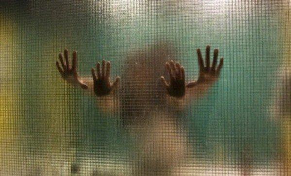 erekció a zuhany alatt)