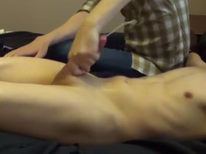srác csinál péniszmasszázs