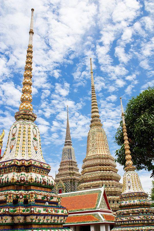 hímvesszők temploma Bangkok