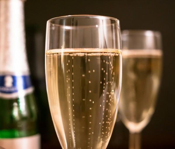 pezsgő és erekció hogyan kell használni a pénisz otthon